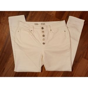 A.N.A. high waisted ankle cropped skinny jeans 6